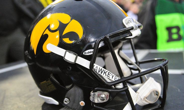 Iowa football: Get ready to see Jay Scheel's potential in action = Iowa fans who know a thing or two about recruiting already feel a tinge of excitement about the Hawkeyes' recent Week 1 depth chart release.  Of course, there are the usual characters and expected starters. C.J. Beathard checking in as.....