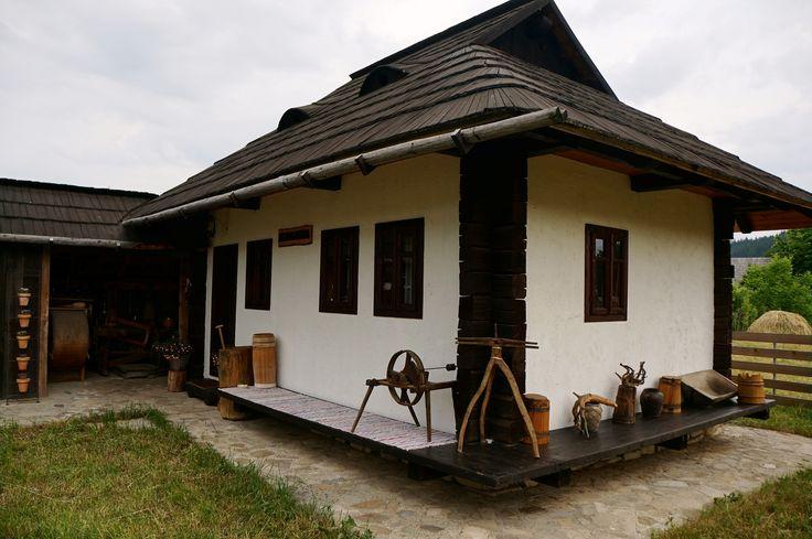 Un proiect în frumoasa noastră Bucovina, plin de tradiție, măiestrie, ospitalitate și niște oameni extraordinari și Decra Stratos, bineinteles!