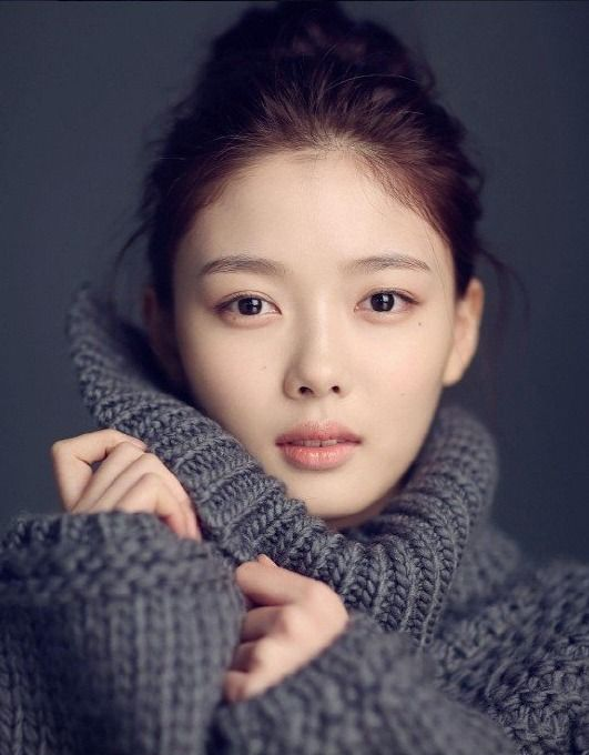 sidus hq reveals b cut images of kim yoo jung koogle tv style pinterest kim yoo jung. Black Bedroom Furniture Sets. Home Design Ideas