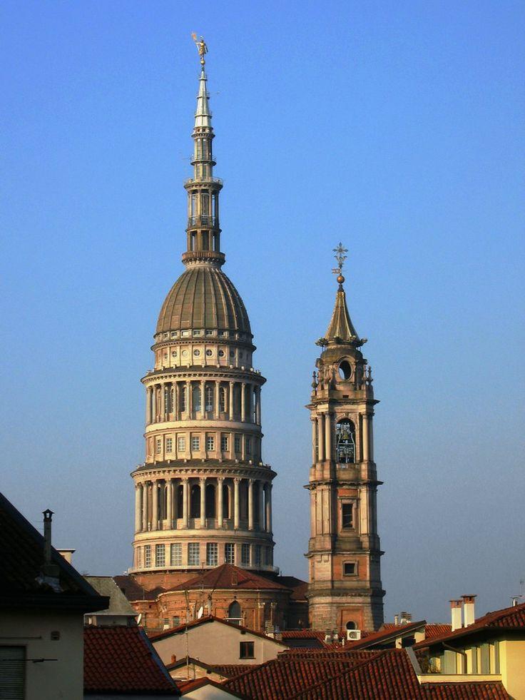 Cupola e campanile della basilica di San Gaudenzio (Novara).