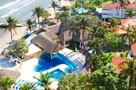$2,499 por 2 noches para dos + desayuno y tickets para acuario, Museo de Cera y Museo de Ripley en Hotel Playa Paraíso, Veracruz