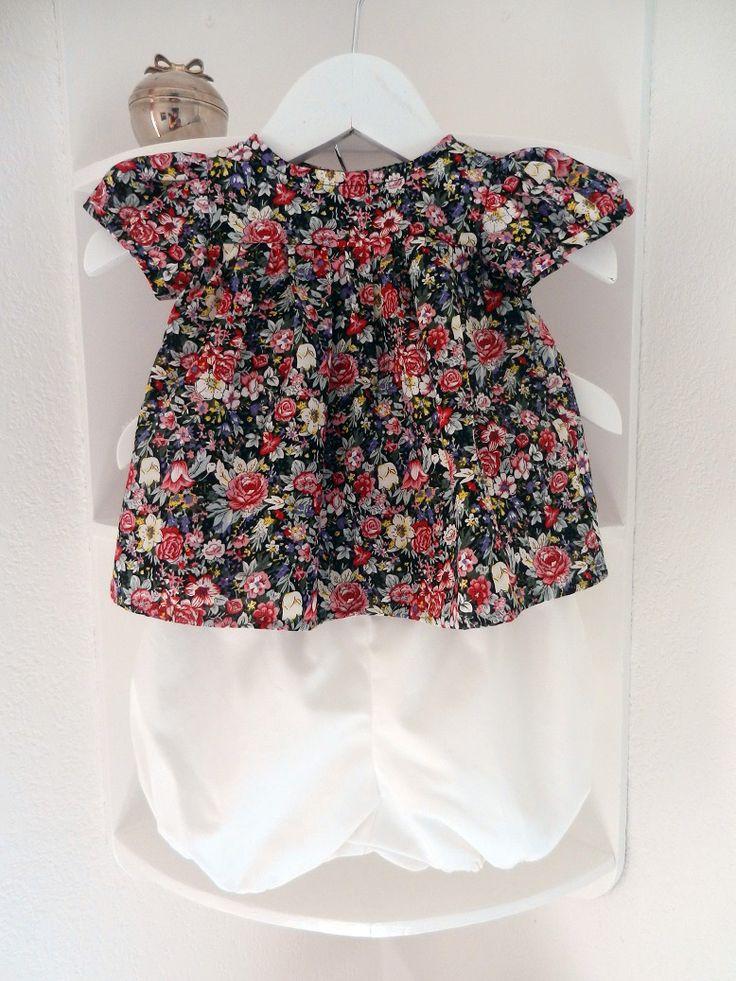 Ensemble bébé blouse fleurie rose et noire et bloomer blanc - 12 mois Duchesse Or Ange