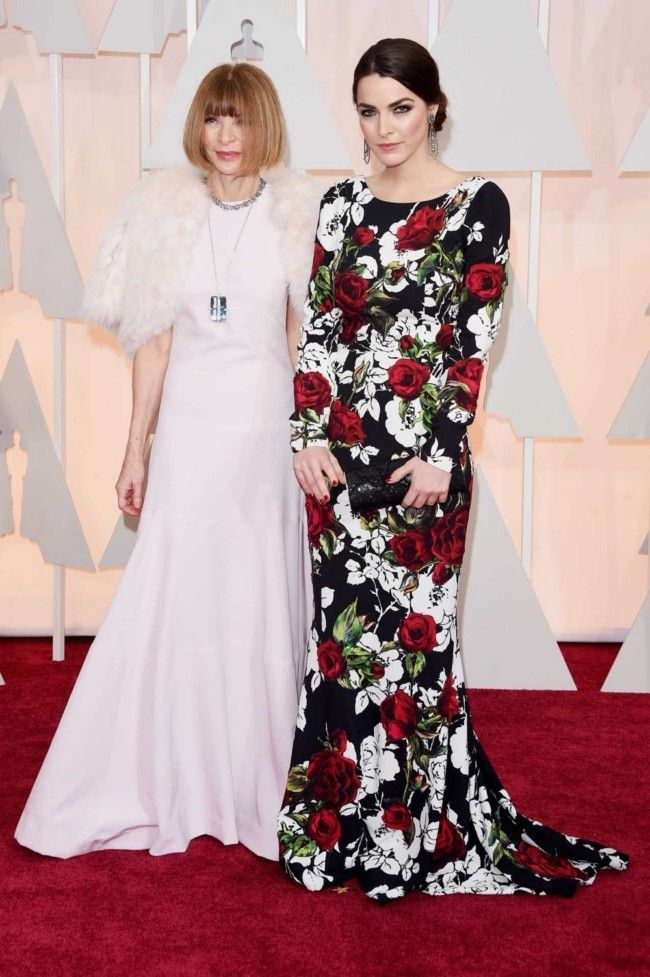87th Academy Awards: Oscars 2015 red carpet : Anna Wintour in Oscar de la Renta and Bee Shaffer
