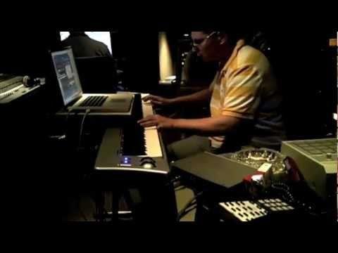 Scott Storch in Studio Making a Beat NEW 2012