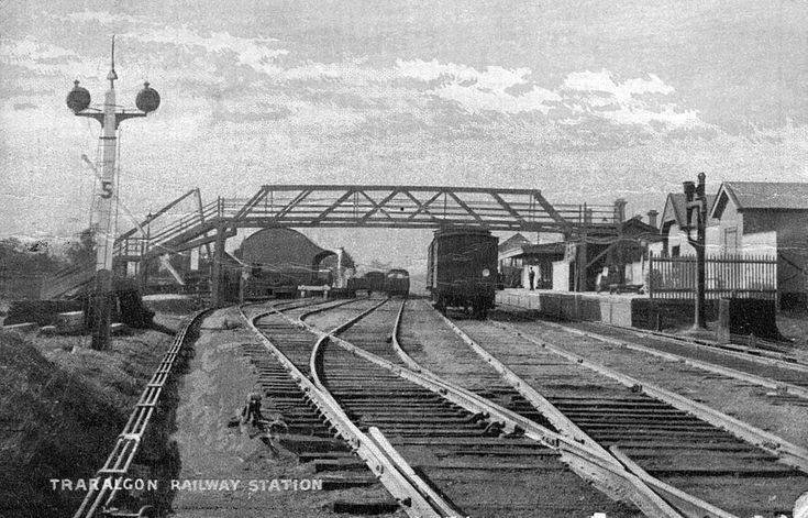 A view of Traralgon looking east, circa 1905