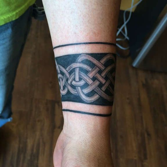 the 25 best ideas about irish celtic tattoos on pinterest celtic tattoo meaning celtic. Black Bedroom Furniture Sets. Home Design Ideas