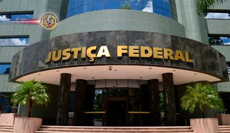 Brasil: Justiça bloqueia R$ 476 milhões do PP e de onze integrantes da sigla. A Justiça Federal do Paraná (JFPR) bloqueou nesta sexta-feira (7) mais de R$ 4