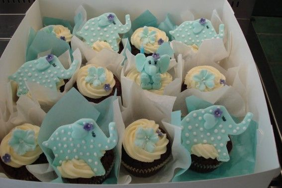 elephant cup cakes with pink elephants and gray polka dots!Cupcakes Ideas, Cupcakes Decor, Birthday Parties, Elephant Cupcakes, Cupcakes Parties, Animal Cupcakes, Cupcakes Rosa-Choqu, Parties Cupcakes, Baby Shower