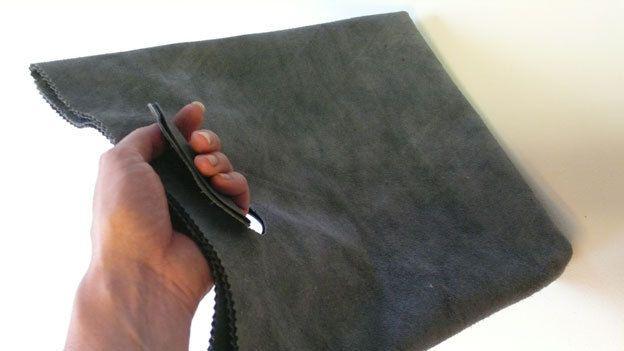 gerecycled leren handtas / netbook / ipad tas van Dingsboems op DaWanda.com