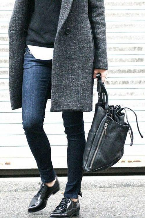 Jeans, white shirt, black sweater, grey coat, black bag, black oxfords ☑️