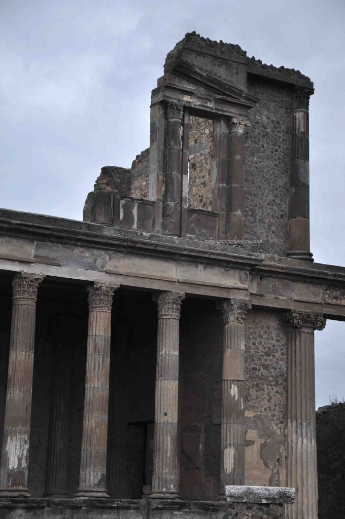 Pompeii, ruins of the Temple of Jupiter