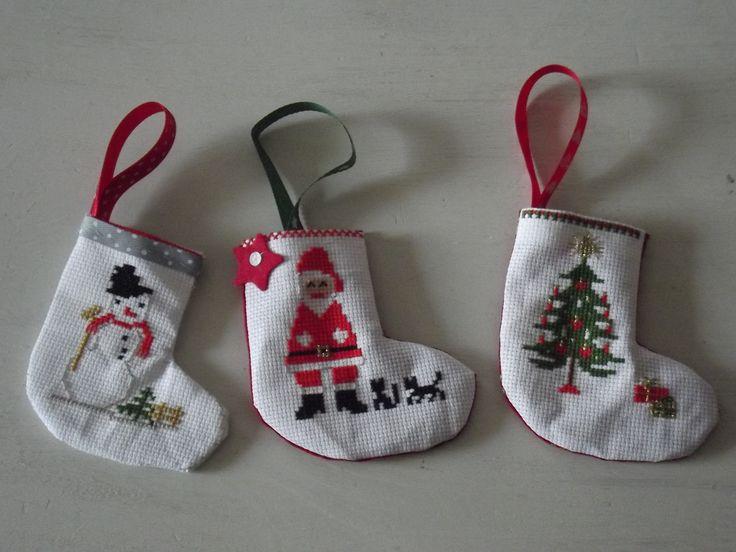 chaussettes de Noël brodées