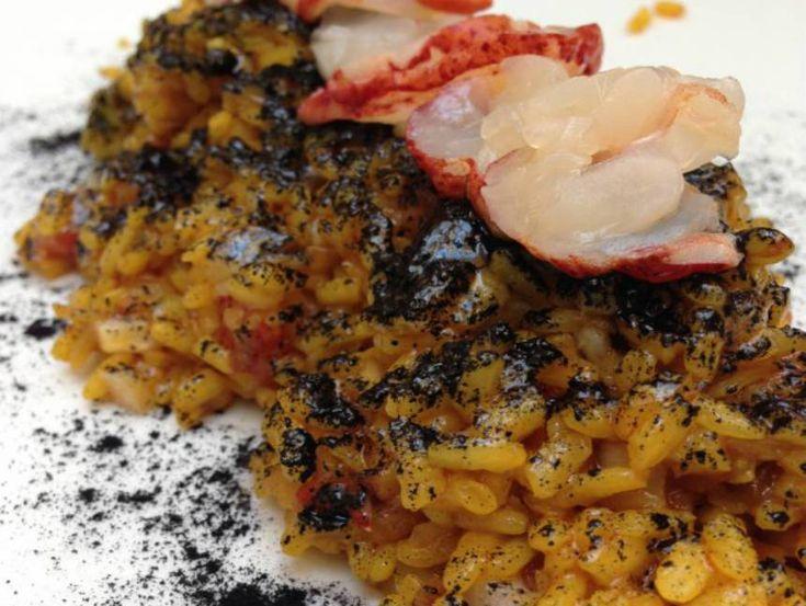 """Arroz negro con bogavante (variedad """"Senia"""") . Reserva online en EligeTuPlato.es"""