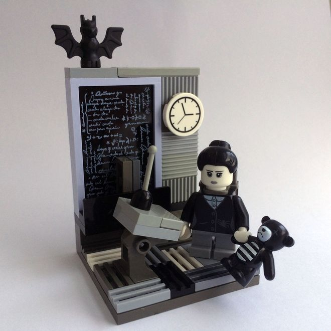 Bring Back Victorian Science with this Lego Lovelace, Babbage, and Analytical Engine