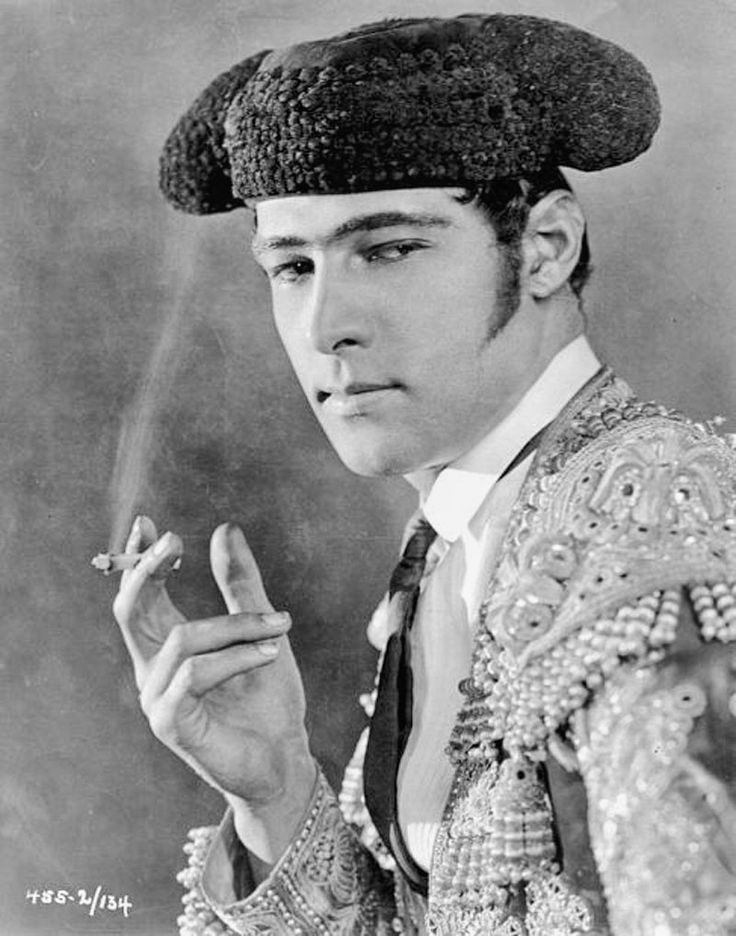 """heartthrob of the 1920's :    Rudolph Valentino in """"Blood and Sand"""", 1922..."""