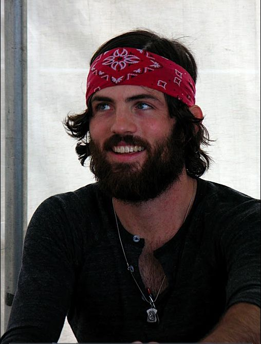 beautiful bearded men are the best. Scott Avett.  2953c7d3f72