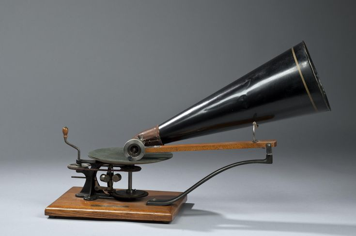 Gramophone by H.M.V., hand-driven early pattern.