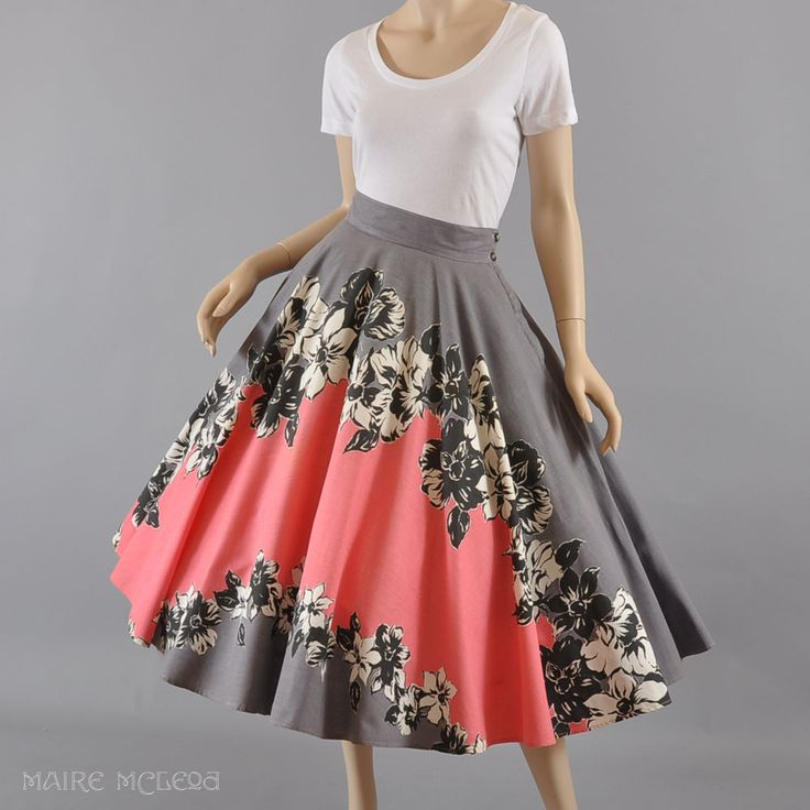 1950's Circle Skirt - Amazing Print, Outstanding Find - S