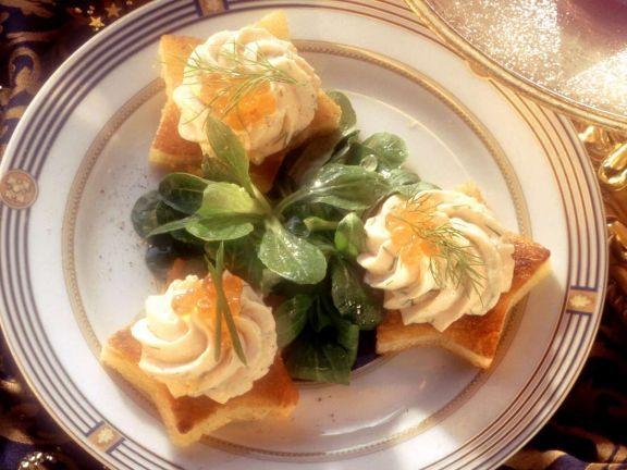 Lachsmousse ist ein Rezept mit frischen Zutaten aus der Kategorie Fisch. Probieren Sie dieses und weitere Rezepte von EAT SMARTER!