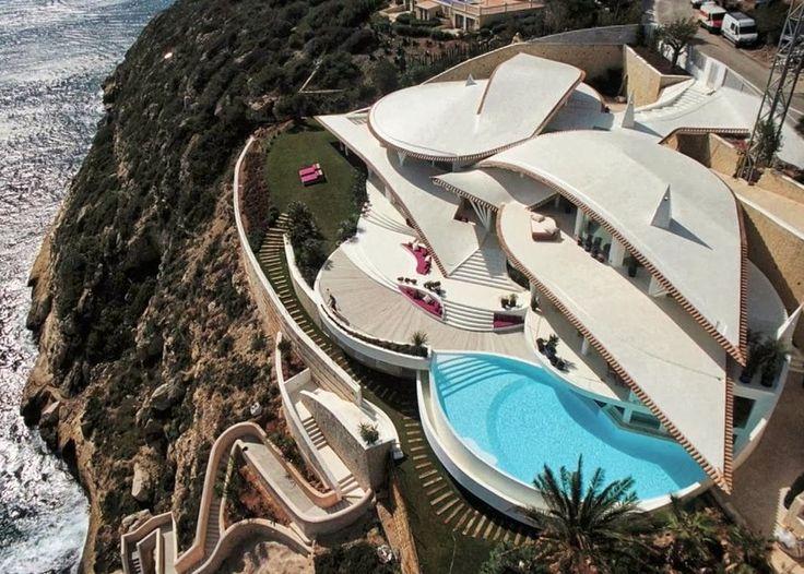 Architect Alberto Rubio Has Designed The Bird House In