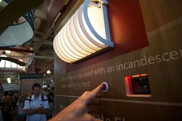 Wondering what the difference is between all those different kinds of light bulbs? Make sure to stop in the Home Energy Exhibit at #EcoExperience to compare the brightness, color and energy saving of various light bulbs.