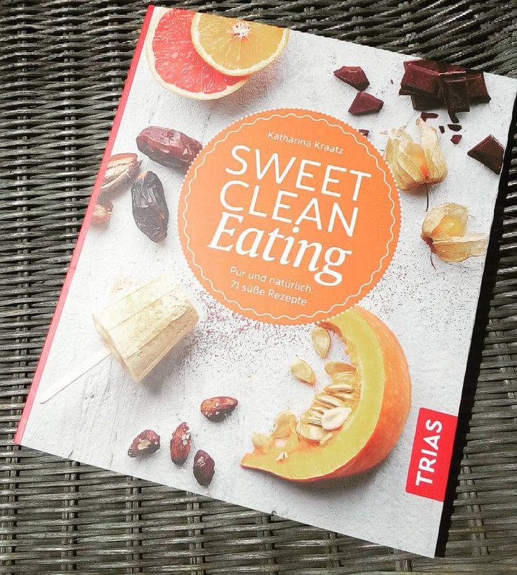 http://manusarona.de/buch-sweet-clean-eating-rezepte-katharina-kraatz/  I got this freshly published book @katharina_kocht yesterday and the recipes are so nice and simple, can't wait to do my shopping tomorrow and give a try. Some recipes include eggs, wheat, #Superfoods and Joghurt but some are even vegan. But it's also about zero sugar and what to use instead. . Eating healthy is a must for me but some days you just need some soulfood. ..