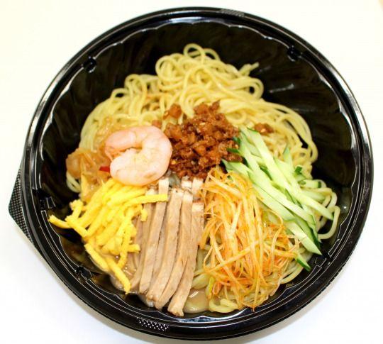 ファミリーマート味変もできるピリ辛冷し中華を新発売海老や中華くらげなど贅沢食材が満載