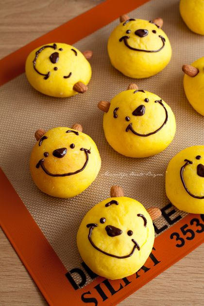 Winnie the Pooh bread .... This is probably the cutest thing I've ever seen