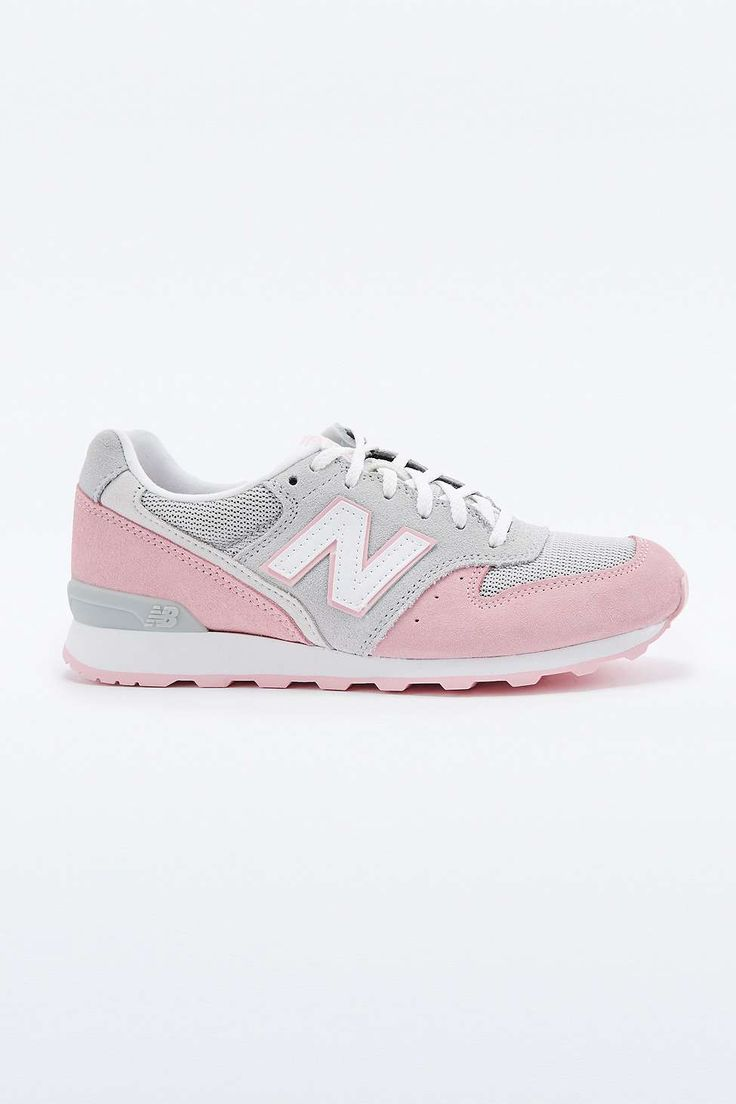 New Balance 996 Pink Trainers