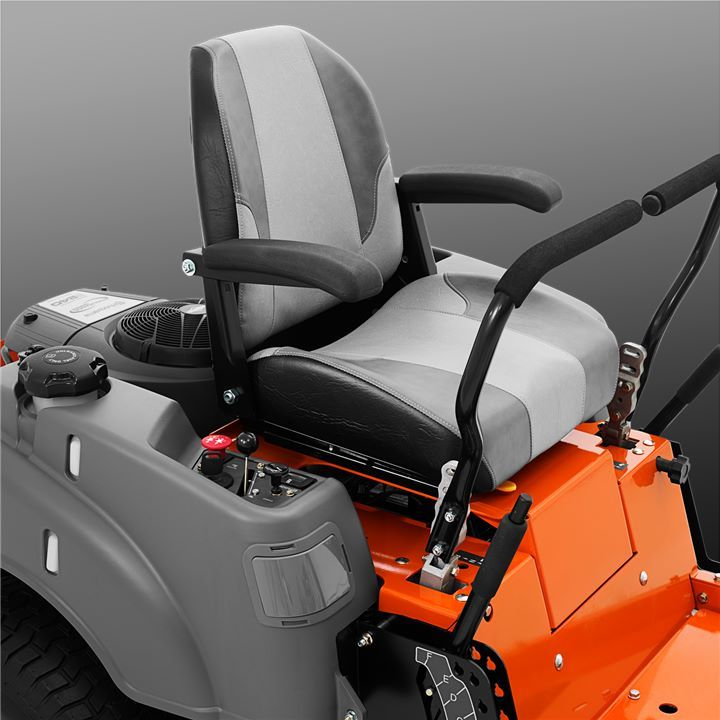The zero-turn steering system essentially means turning on the spot. An individual, hydraulic wheel-drive provides your zero-turn mower with precise manoeuvring and allows it to rotate around its own axis, without the turning radius and uncut areas being left behind.