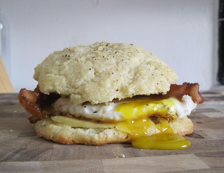 cheddar biscuit sandwiches egg and bacon sandwich primal and south ...