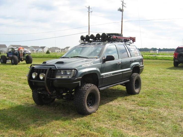 01 WJ Laredo - North American Grand Cherokee Association