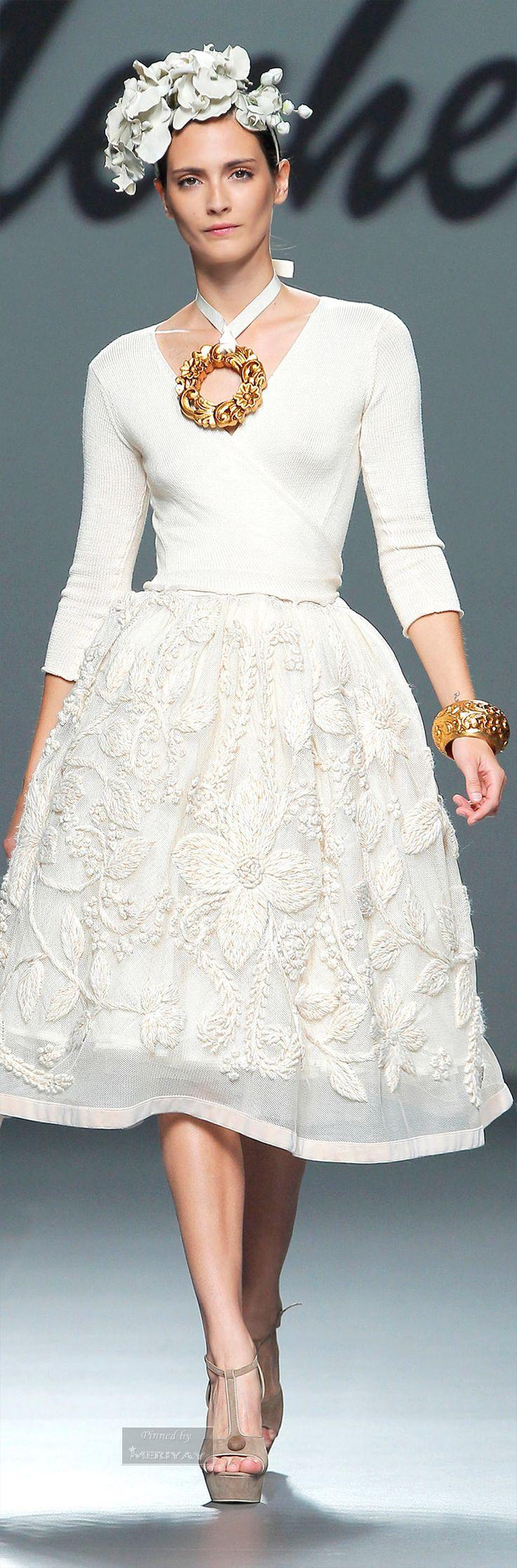 Sophisticated Style  Serafini Amelia  Meche Correa