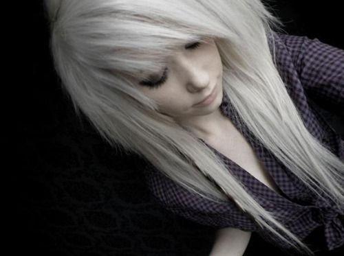 Google Image Result for http://favim.com/orig/201108/30/blonde-emo-girl-hair-scene-Favim.com-133707.jpg