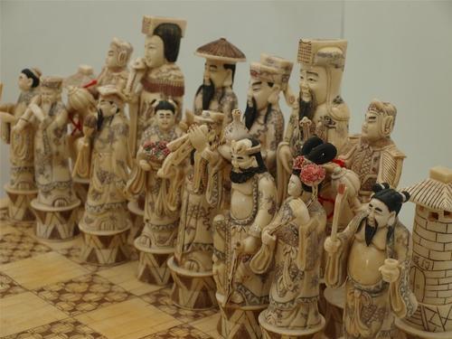 Huge Chinese Hand Carved Bone Chess Game Set   Oriental Men U0026 Women    Stunning |
