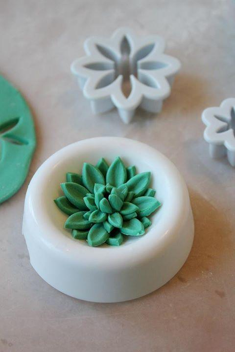 Man Bakes Cake - Mini Succulent Tutorial.