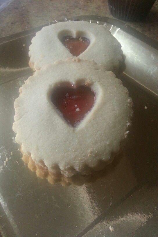 Jam shortbread biscuits