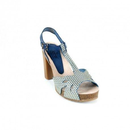 Unas sandalias de piel con tacon de la casa @Yokono.... lo veo con un vestido azul con lunares blancos...ummm... #sandaliastacon #sandals #verano2017  http://www.fitsfeet.com/zapatos-de-mujer/2002-sandalias-yokono-malibu001-marino.html
