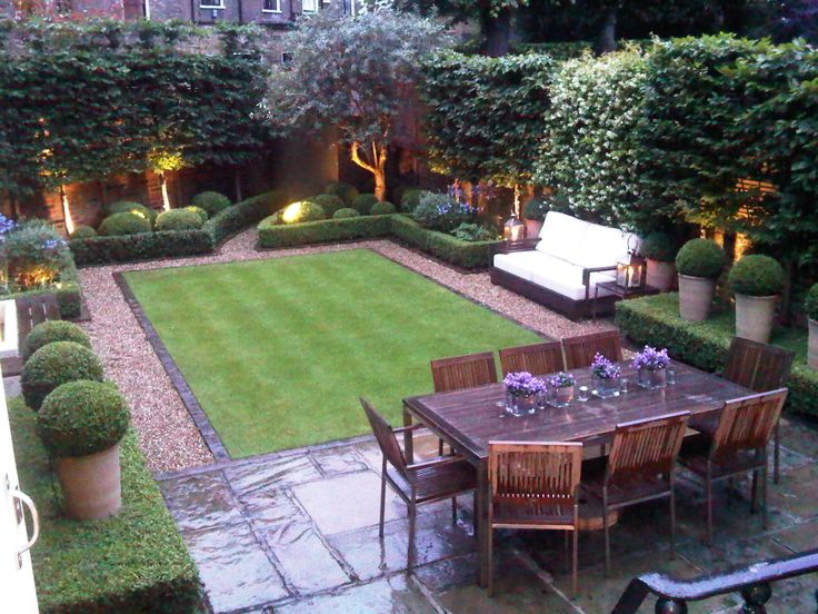 Love this small but perfectly designed and manicured garden