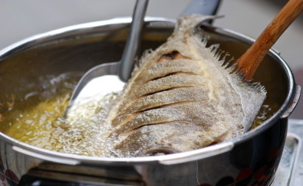Cara Menggoreng Ikan Agar Tetap Sehat http://gumilang.me/3329/cara-menggoreng-ikan-agar-tetap-sehat/