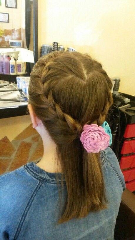 Plaiting hair