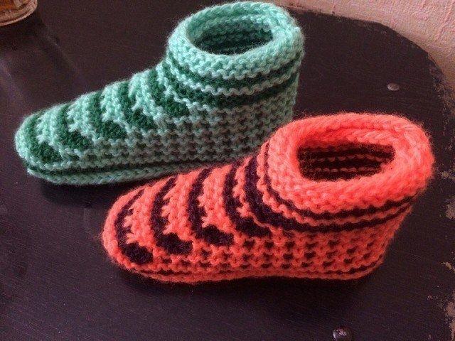 Для любителей вязания. Оригинальные следки спицами.
