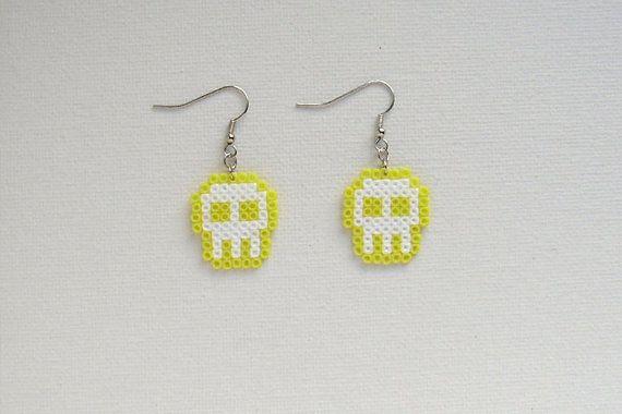 1 pair of PASTEL, alternative cool, skull earrings made out of Hama mini beads. Rock n roll. Metal.