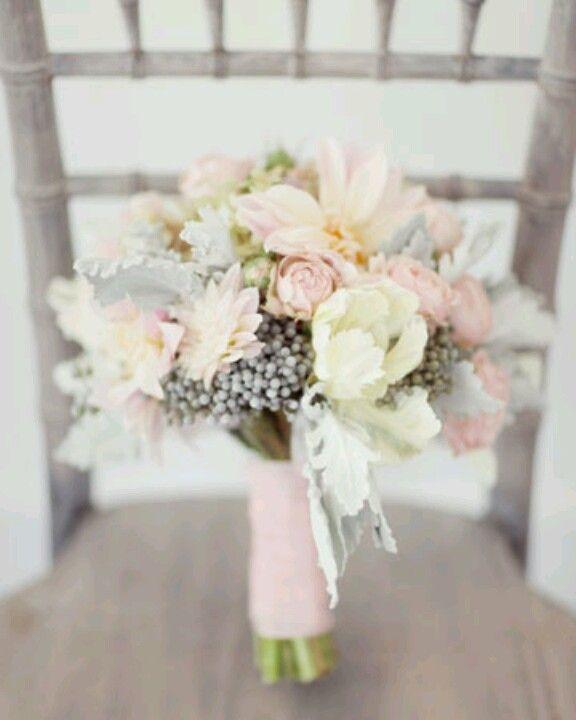 Love this pastel bouquet