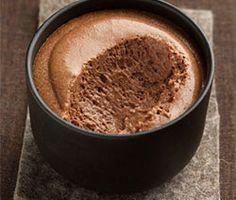 Une mousse au chocolat rapide et très facile à faire pour votre bonheur et le bonheur