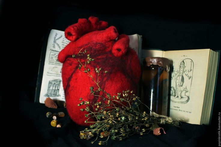 Анатомическое Сердце шерстяное - Popinkrotik - Ярмарка Мастеров anatomical heart valentine gothic magic red blood anatomy wool felted