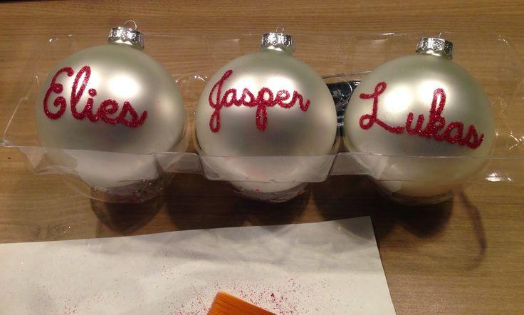 Creatiefsels: Kerstballen met glitternaam.... hoe doe je dat!?