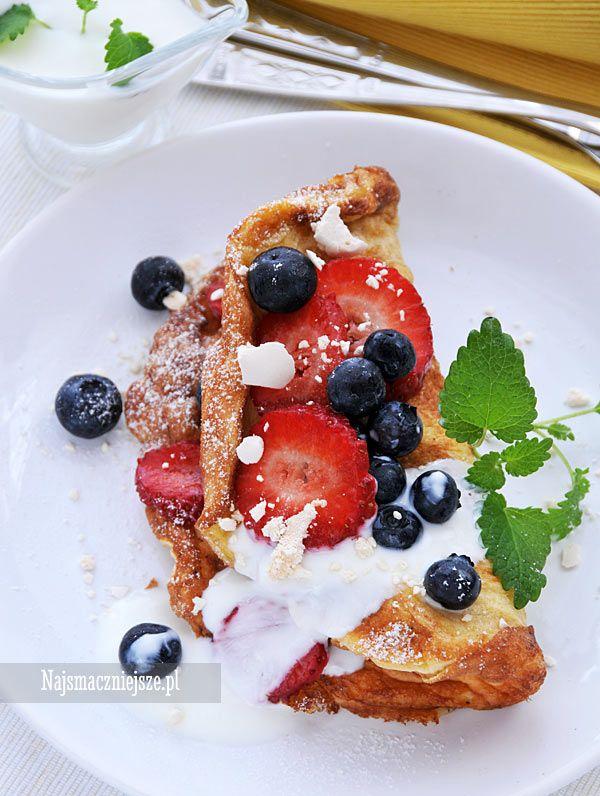 Omlet owsiany na słodko, omlet, śniadanie na słodko, borówki, truskawki, płatki…