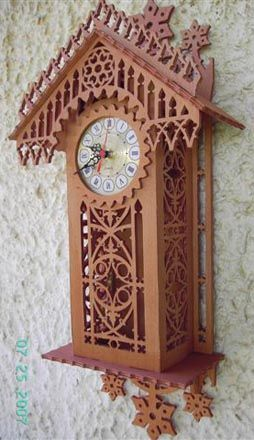 Munich wall clock, scroll saw fretwork pattern