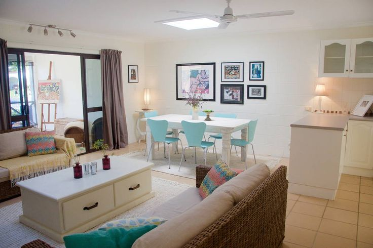 Bright and sunny lounge/dining area #port #douglas  #rental #holiday #homes #houses